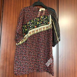 ヌメロヴェントゥーノ(N°21)の専用 美品 N°21 トップス シルク 半袖シャツ(カットソー(半袖/袖なし))