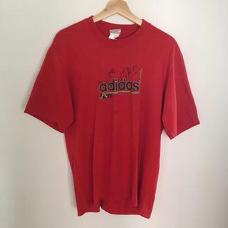 アディダス(adidas)の赤のadidasTシャツ 古着(Tシャツ/カットソー(半袖/袖なし))