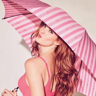 ヴィクトリアズシークレット(Victoria's Secret)のヴィクトリアシークレット 折りたたみ傘\❤︎/(傘)