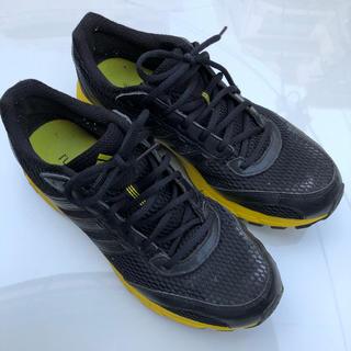 アディダス(adidas)のアディダス ランニングシューズ ブラック イエロー(シューズ)