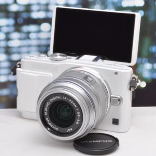 オリンパス(OLYMPUS)の✨Wi-Fi対応✨自撮りも動画も☘オリンパス E-PL6 ホワイト 保証付(ミラーレス一眼)