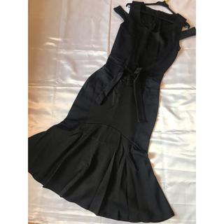 ◆新品タグなし◆黒☆ミディアムドレス◆美ライン、オフショル(ミディアムドレス)