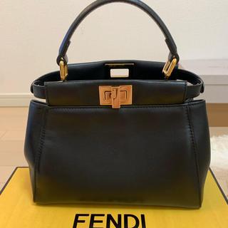 フェンディ(FENDI)のFENDI ピーカブー 黒(ハンドバッグ)