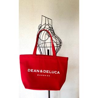 ディーンアンドデルーカ(DEAN & DELUCA)の☆バンコク限定☆DEAN&DELUCA 赤トートバッグ(トートバッグ)