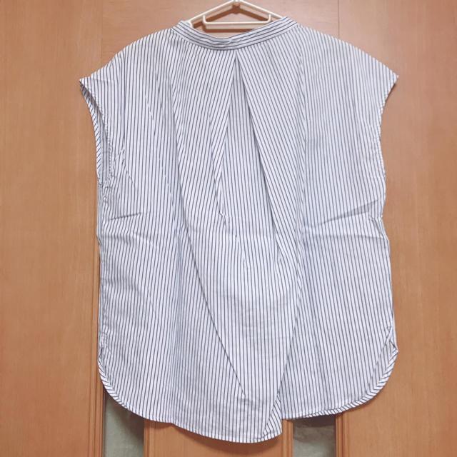 GU(ジーユー)の【GU】ジーユー トップス ブラウス S レディースのトップス(シャツ/ブラウス(半袖/袖なし))の商品写真