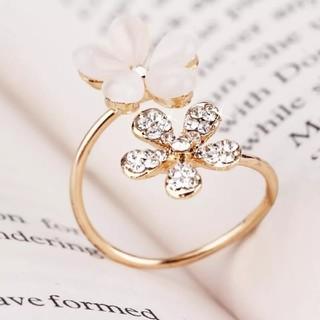 ダチュラ(DaTuRa)の新品♥フラワーリング/指輪/ゴールド/ベビーピンク/お花/サイズ調節/可愛い(リング(指輪))