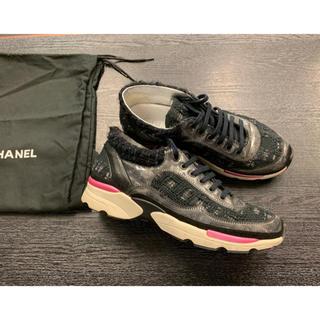 シャネル(CHANEL)の完売/美品★シャネル★ココマーク ツイード スニーカー 靴 レザー レディース (スニーカー)