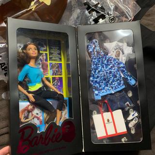 アベイシングエイプ(A BATHING APE)のbape Barbie ape バービー blue camo 青 カモ(ぬいぐるみ/人形)