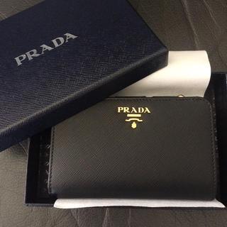 プラダ(PRADA)の新品未使用 プラダサフィアーノレザー折ミニ2財布ウォレットブラック黒バッグ(財布)