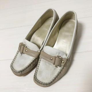 ダイアナ(DIANA)のDIANA ダイアナ ベージュローファー(ローファー/革靴)