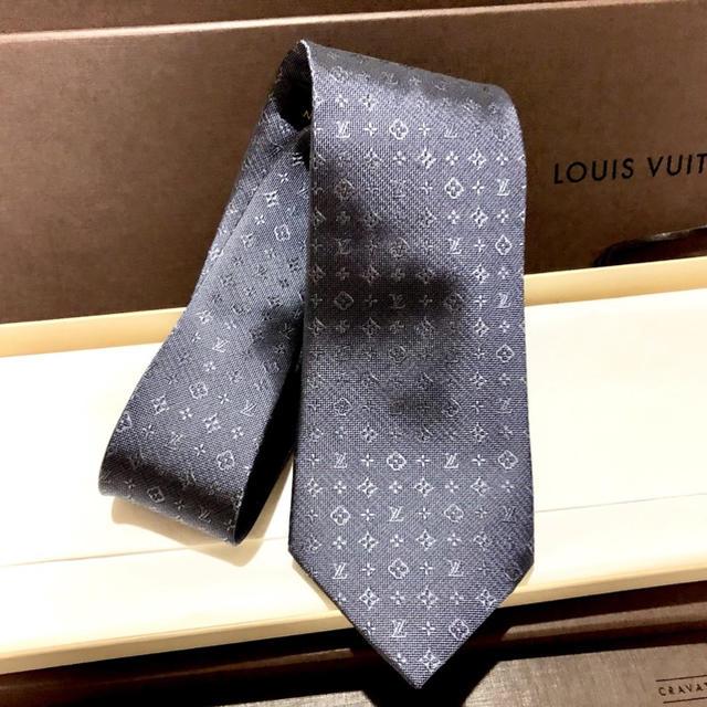 LOUIS VUITTON(ルイヴィトン)のLV ルイ ヴィトン ねくたい ネクタイ 正規品 中古 美品 正規品 メンズのファッション小物(ネクタイ)の商品写真