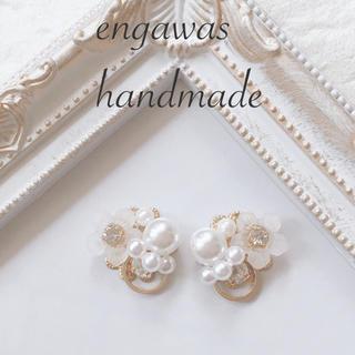 *新作♡すりガラスのお花とリングのホワイトcuteなピアス*(ピアス)