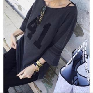 アパルトモンドゥーズィエムクラス(L'Appartement DEUXIEME CLASSE)の極美品 アパルトモン REMI RELIEF Sleeve Line Tシャツ◆(シャツ/ブラウス(長袖/七分))