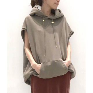 L'Appartement DEUXIEME CLASSE - タグ付き新品♡AMERICANA NO SLEEVE HOODED P/Oカーキ