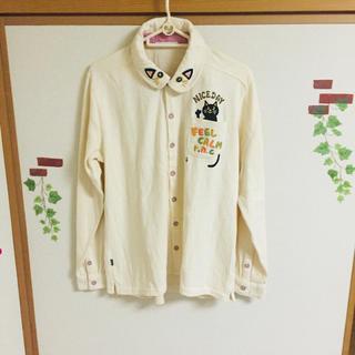 ラフ(rough)の♡ タグ無し新品未使用!オフホワイト 猫 シャツ ♡(シャツ/ブラウス(長袖/七分))