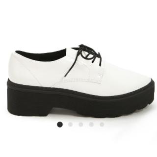 フォーエバートゥエンティーワン(FOREVER 21)のフォーエバー21 ローファー(ローファー/革靴)