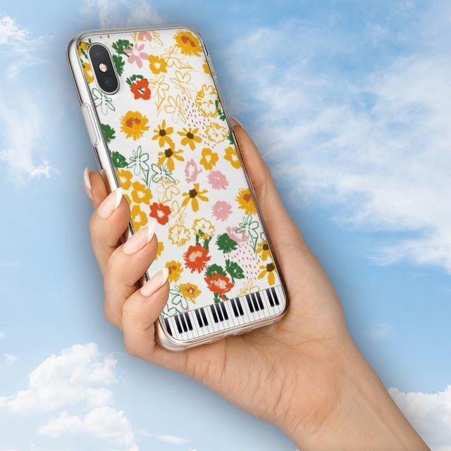 花と鍵盤シリーズ♬アネモネとコスモス♬スマホケース♬ハードケースの通販 by ♬nanayotta♬'s shop|ラクマ