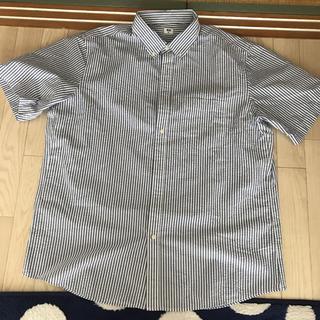 ユニクロ(UNIQLO)のお値下げ!!メンズシャツとパンツのセット新品未使用!(シャツ)
