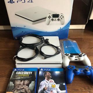 PlayStation4 - PS4本体とコントローラー2つ(おまけ付き)