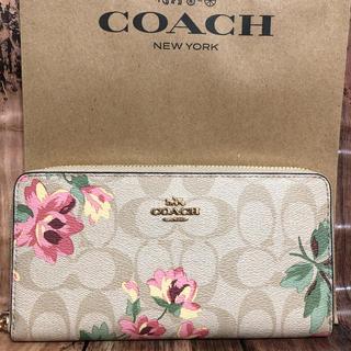 581bb20205a4 コーチ(COACH)のCOACH コーチ 長財布 新作 花柄 シグネチャー ライトカーキ✖