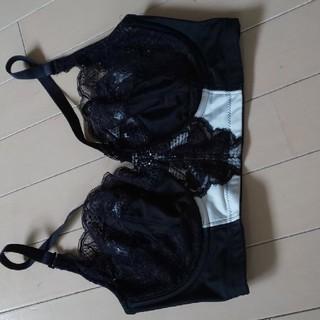LaLaグラントイーワンズ 矯正  ブラ 黒×白