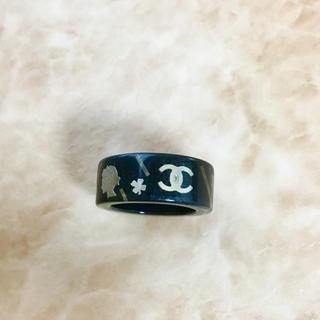 シャネル(CHANEL)の正規品 シャネル 指輪 金 ココマーク クローバー 花 婦人 黒 リング 四つ葉(リング(指輪))