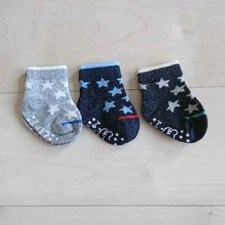 ニシマツヤ(西松屋)の【未使用あり】新生児 靴下 3足セット(靴下/タイツ)