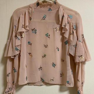 Lily Brown - リリーブラウン 刺繍ブラウス