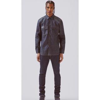 フィアオブゴッド(FEAR OF GOD)の【美中古 サイズ31】 fog essentials デニム Jeans(デニム/ジーンズ)