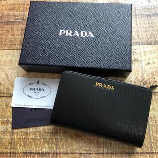 a8d6282e25b1 プラダ(PRADA)の新品 プラダ サフィアーノ 折り財布 人気の中赤 ブラック レッド