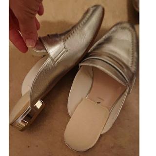 ダイアナ(DIANA)のDIANA☆シルバーのローファー☆楽チン(ローファー/革靴)