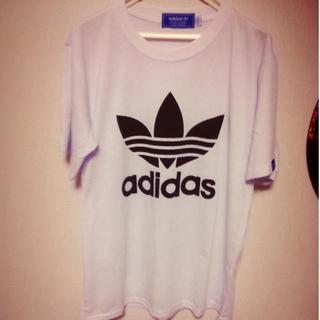 アディダス(adidas)の* adidasTシャツ *(Tシャツ(半袖/袖なし))