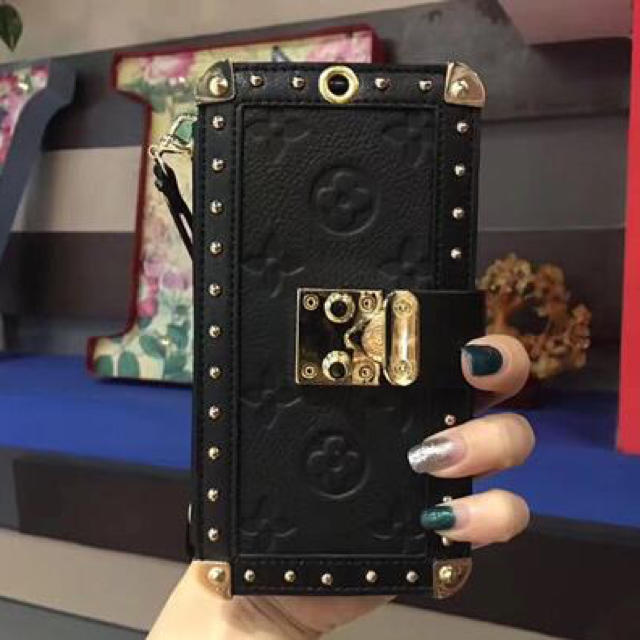 ミュウミュウ アイフォン8 ケース 三つ折 / iphoneケース 手帳型 ✨高級感✨2つストラップ付きの通販 by ゆり's shop|ラクマ