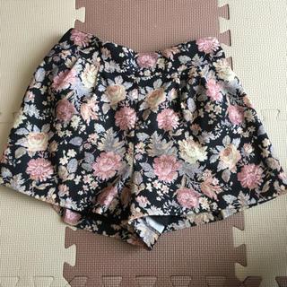 バイバイ(ByeBye)の花柄ショートパンツ  キュロットスカート(ショートパンツ)