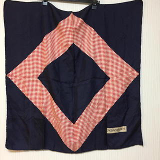 16068b8c0a23 イヴサンローランボーテ(Yves Saint Laurent Beaute)のイヴ・サンローラン スカーフ
