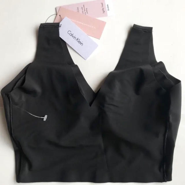 Calvin Klein(カルバンクライン)の極レア Calvin Klein USA カップ付ブラ ブラック S レディースの下着/アンダーウェア(ブラ)の商品写真