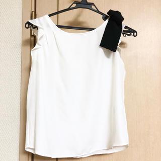 アンドクチュール(And Couture)の肩リボンブラウス(シャツ/ブラウス(半袖/袖なし))