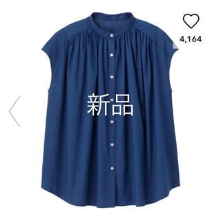 ジーユー(GU)の新品 未開封 GU ボリュームギャザーブラウス 完売商品 2019 ネイビー(シャツ/ブラウス(半袖/袖なし))