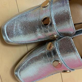 ジーユー(GU)のシルバー ローファー ヒール6センチ gu 新品 s(ローファー/革靴)