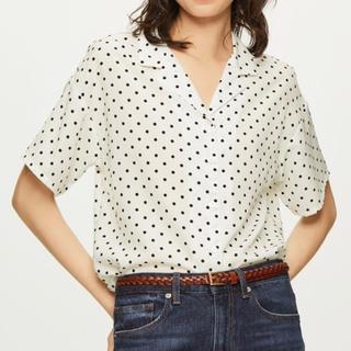 ジーユー(GU)のドットオープンカラーシャツ(シャツ/ブラウス(半袖/袖なし))