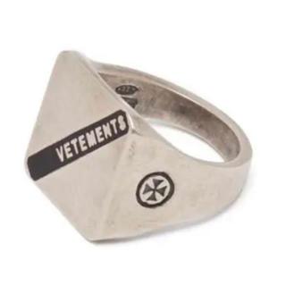 バレンシアガ(Balenciaga)のvetements ヴェトモン ロゴ シルバー リングS指輪 silver(リング(指輪))