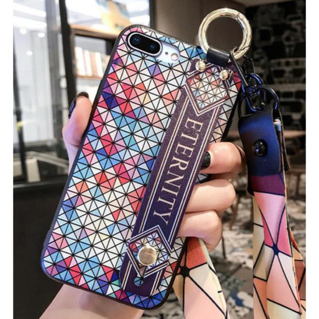 FENDI iphonexsmax ケース - iPhone - iPhoneケース ハンドル付き Bの通販 by ちむたむs' shop|アイフォーンならラクマ
