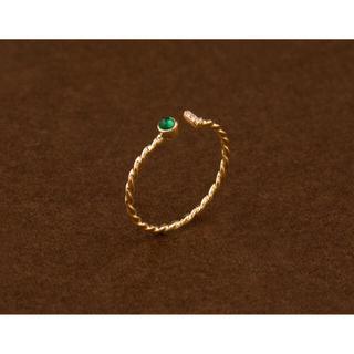 新品 エメラルド ダイヤモンド リング(リング(指輪))
