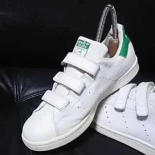 アディダス(adidas)の 王道モデル!アディダススタンスミス高級ベルクロスニーカー人気の白緑!   (スニーカー)