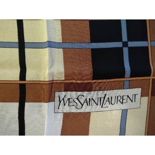 b68195f44eff イヴサンローランボーテ(Yves Saint Laurent Beaute)の☆YSL☆レトロスカーフ
