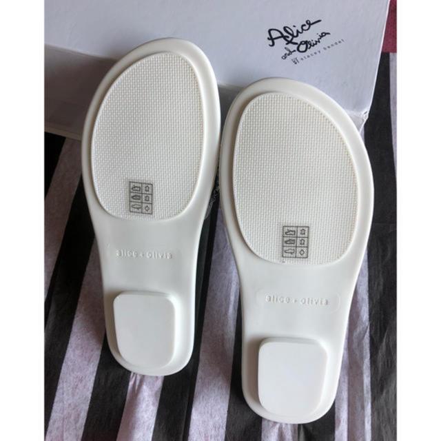 Alice+Olivia(アリスアンドオリビア)のAlice olivia 人気サンダル 新品完売品 レディースの靴/シューズ(サンダル)の商品写真