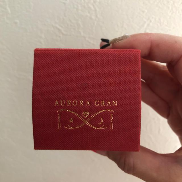 AURORA GRAN(オーロラグラン)のオーロラグラン フェザーリング 9号 レディースのアクセサリー(リング(指輪))の商品写真