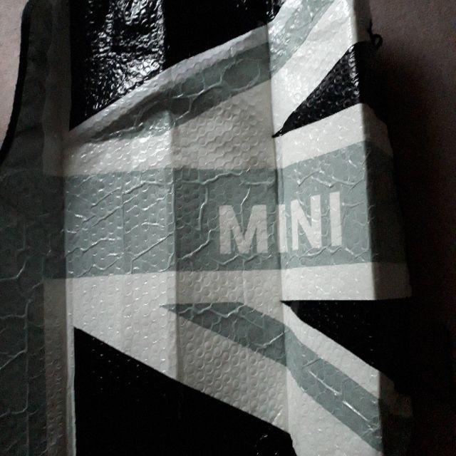 BMW(ビーエムダブリュー)のBMWMINIフロントサンシェード 自動車/バイクの自動車(車外アクセサリ)の商品写真