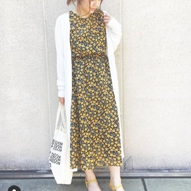 GU(ジーユー)のジーユー GU フラワープリントワンピース(半袖) レディースのワンピース(ロングワンピース/マキシワンピース)の商品写真