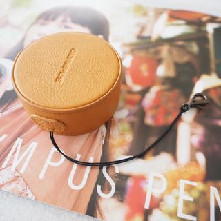 オリンパス(OLYMPUS)のオリンパス 本革レンズジャケット LC60.5GLライトブラウン 美品(ケース/バッグ)